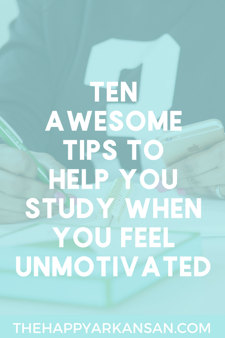 How To Study When You Feel Unmotivated | It's often difficult to study when you don't feel into it. Today on the blog, I am sharing 10 tips for studying when you don't feel motivated so that you can get stuff done even on those bad days.