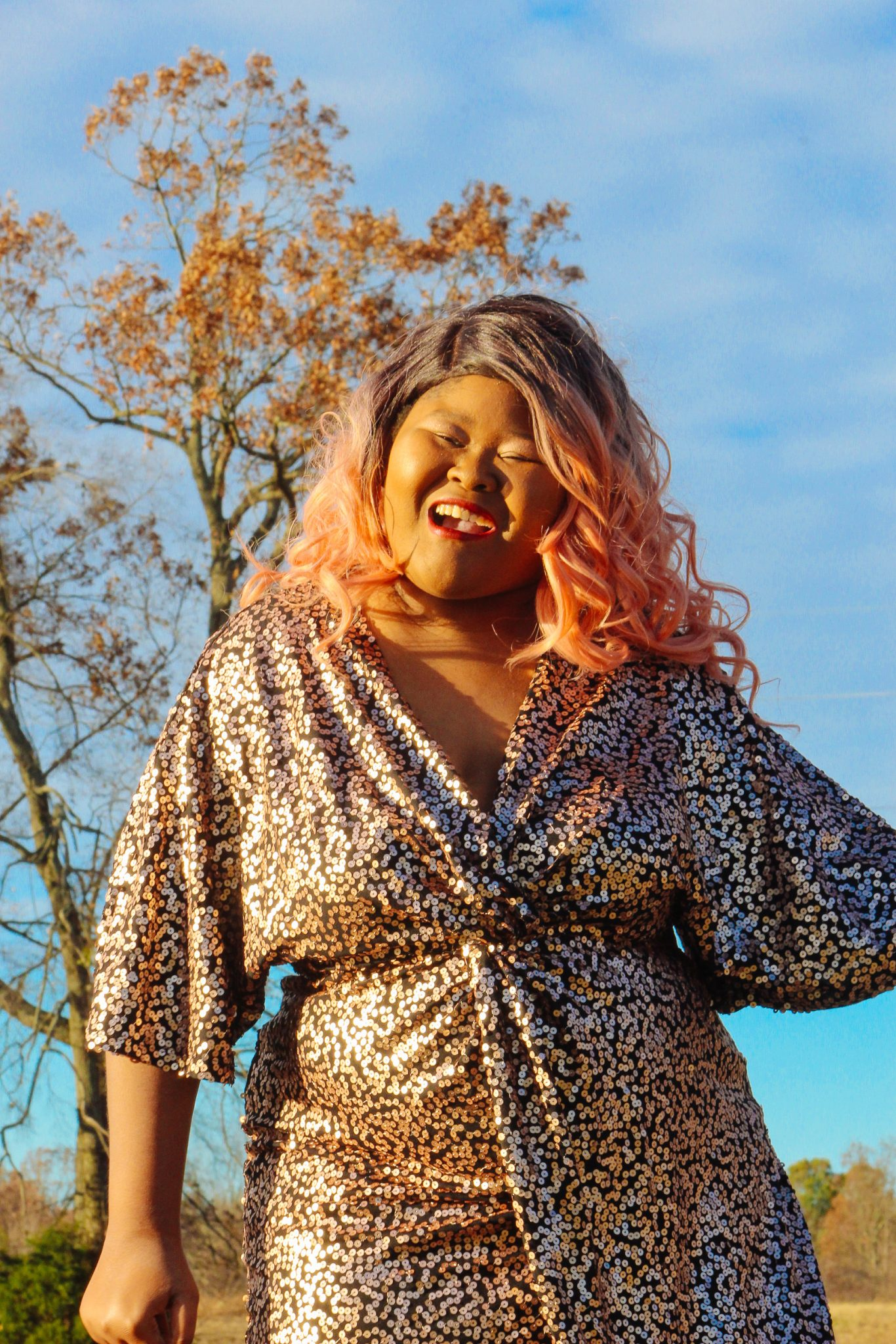 Holiday Fashion Inspiration With Simply Be | If you are looking for some holiday inspiration this year, please click through to check out this look from Simply Be. Rose gold and sequins? Those are a girls best friends! #PlusSizeFashion #SimplyBeUSA #SimplyBe #CurvyFashion #CurvyFashionista #PSOOTD